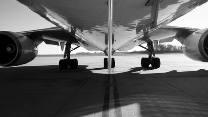 Below the MD11 aircraft
