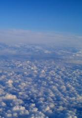 Obraz Fot. Konrad Filip Komarnicki / EAST NEWS Wlochy 18.08.2008 Widok z samolotu ponad morzem chmur. - fototapety do salonu