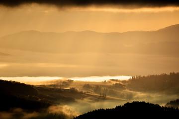 Sunrise in the Polish mountains. Fot. Konrad Filip Komarnicki / EAST NEWS Krynica - Zdroj 28.12.2015 Wschod slonca na Jaworzynie Krynickiej.