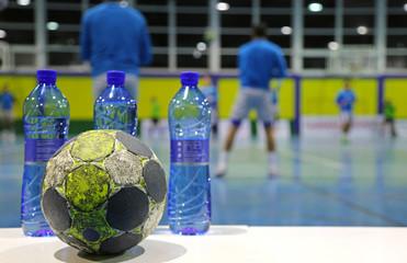 balonmano balón botellas calentamiento U84A2990-f17