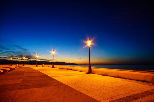 Park Barcellona pozzo di gotto at night