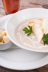 White mushroom cream soup