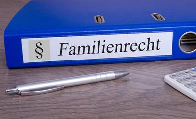 Familienrecht Ordner im Büro
