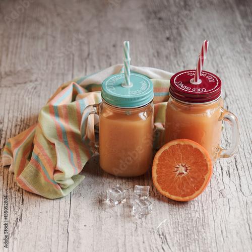 jus d 39 orange fraichement press photo libre de droits sur la banque d 39 images. Black Bedroom Furniture Sets. Home Design Ideas