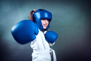 karate girl It fulfills kicks on  background