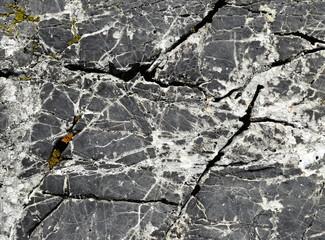 detail on cracks limestone blocks