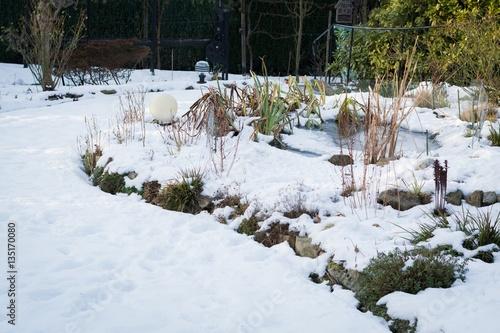 Garten Im Winter Mit Schnee Stock Photo And Royalty Free Images On