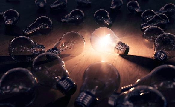 hell leuchtende Glühbirne - Einfall und Ideenfindung