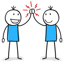 Zwei Figuren geben sich ein High Five Handschlag