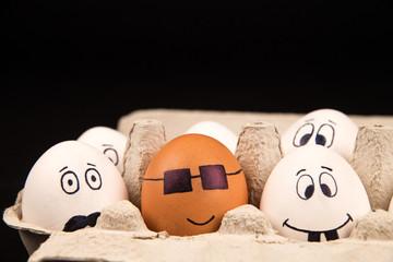 Eier mit Gesichtern