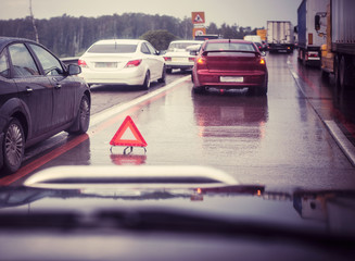 suburban traffic with broken car (changed)