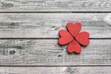 Heart figures arranged in clover shape
