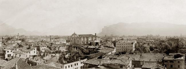 FOTO ANTICA CON PANORAMA DI RIVA DEL GARDA NEL 1919