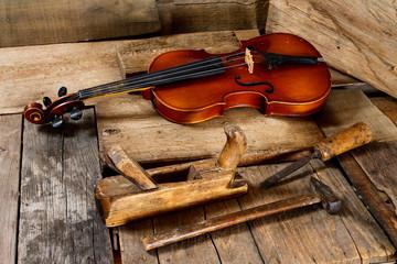Violin making - Violin maker