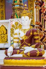 Phra Maha Jakkrapat, Thai buddha statue in temple