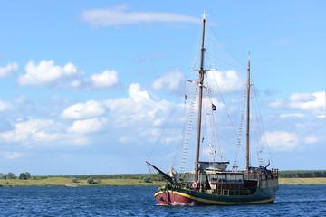 Schiff 2