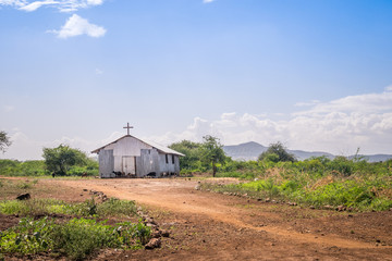 Photo sur Aluminium Edifice religieux Small christian church in rural african area