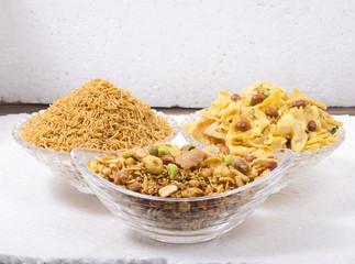 indian besan, bhujiya,navratan,papdi namkeen set