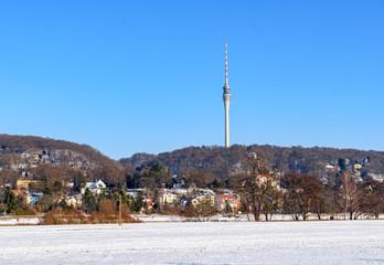 Fernsehturm in Dresden im Winter