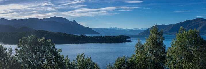 Reise mit dem Wohnmobil durch Norwegens Fjordlandschaft