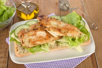 Hähnchen- Gurken- Käse Sandwich