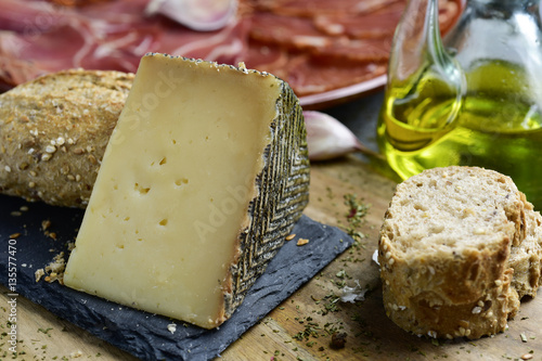 manchego cheese and spanish cold meats stockfotos und. Black Bedroom Furniture Sets. Home Design Ideas
