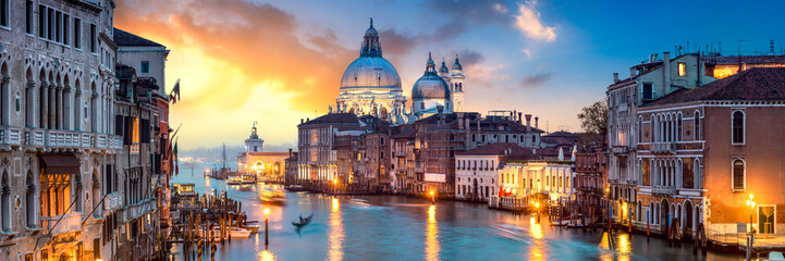 Printed kitchen splashbacks Central Europe Venedig Panorama bei Sonnenuntergang