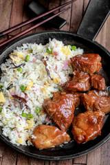 porc au caramel et riz frit 3