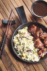 porc au caramel et riz frit 4