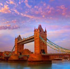 Photo sur Plexiglas Londres London Tower Bridge over Thames river