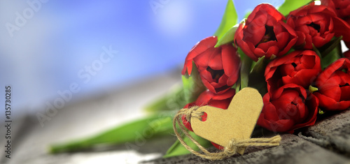blumengr e zum valentinstag oder muttertag stockfotos und lizenzfreie bilder auf. Black Bedroom Furniture Sets. Home Design Ideas