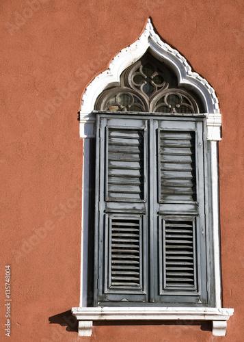 Antica Finestra Sul Muro Di Una Casa Di Venezia