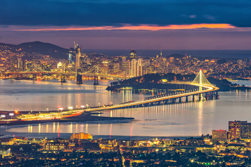 Fotomurales - San Francisco skyline and Bay Bridge at sunset