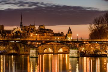 Sunrise on Ile de la Cite with the Pont des Arts, Pont Neuf and the Seine River. 1st Arrondissement, Paris, France