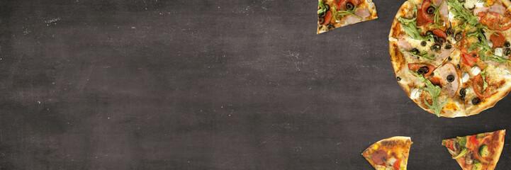 Pizza auf Kreidetafel - Banner mit Textfreiraum Wall mural
