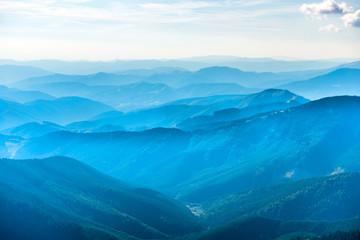 Fototapeten Gebirge Landscape with blue mountains