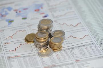 Geld, Münzen, Euro, Finanzen, Aktienkurse, Aktien, Fonds, DAX, Gold, Anleihen, Geldanlage, Investitionen, Rendite, Kapital, Vermögen, Kurs