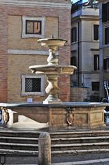 Roma, piazza e fontana della Madonna dei Monti