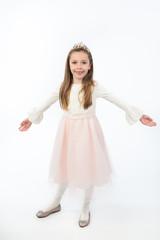 bellissima bambina principessa con stupendi vestitini
