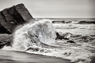 Crashing Wave, Black and White
