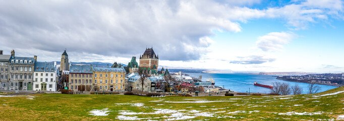 Fotomurales - Panoramic view of Quebec City skyline with Chateau Frontenac and Saint Lawrence river - Quebec City, Quebec, Canada