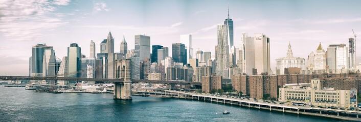 Wall Mural - NEW YORK CITY - OCTOBER 22, 2015: Lower Manhattan skyline from M
