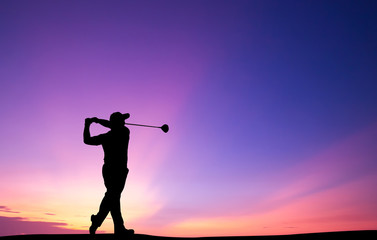 Fotobehang Golf silhouette golfer playing golf during beautiful sunset