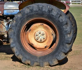 big wheel tractor
