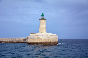 Faro in mare