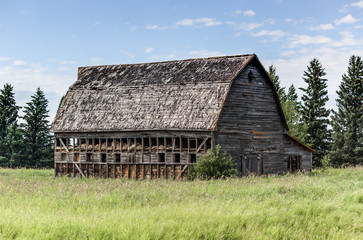 big old abandoned barn