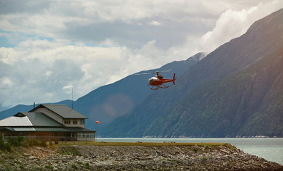 Helicopter tour in Alaska
