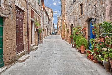 Pitigliano, Tuscany, Italy: alley in the old town
