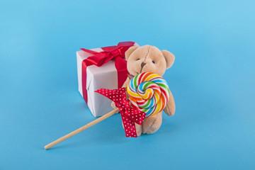 귀여운 곰인형과 사탕