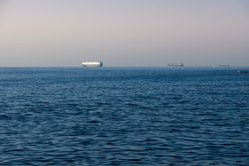 Petroliere nel mare